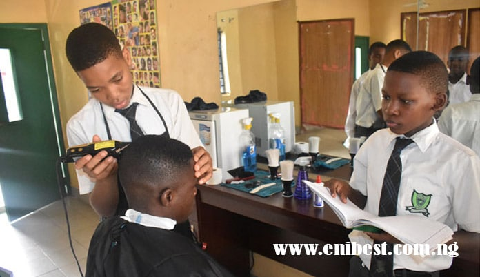 barbing saloon business